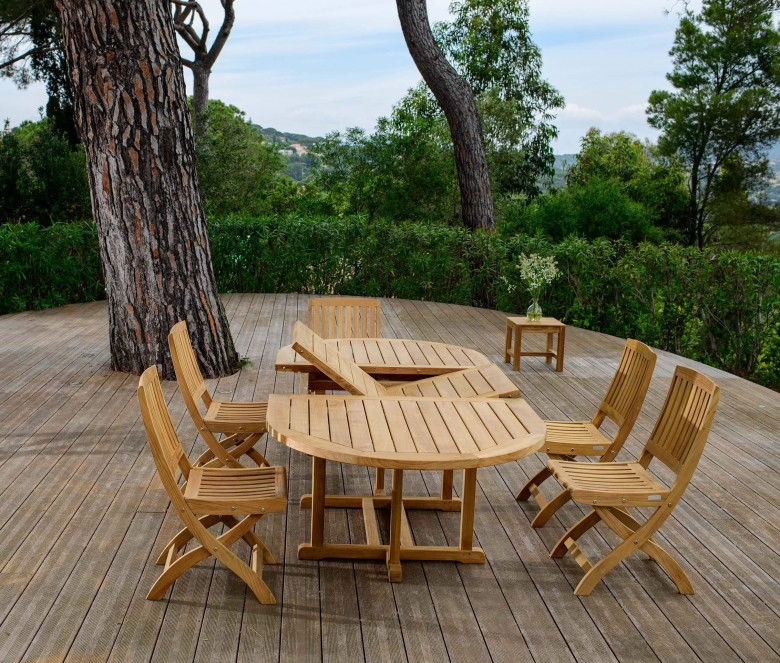 Teak extendable oval table