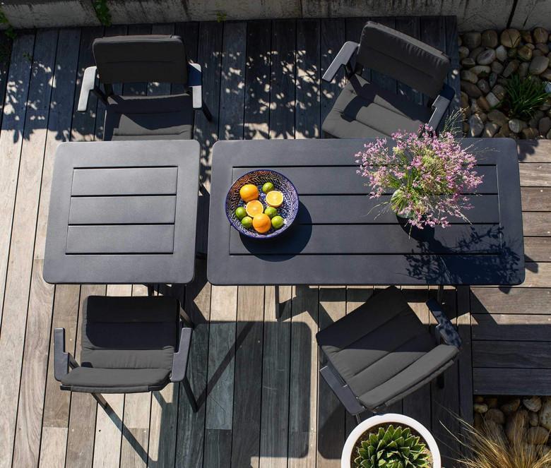 Square table in aluminium - Clubhouse