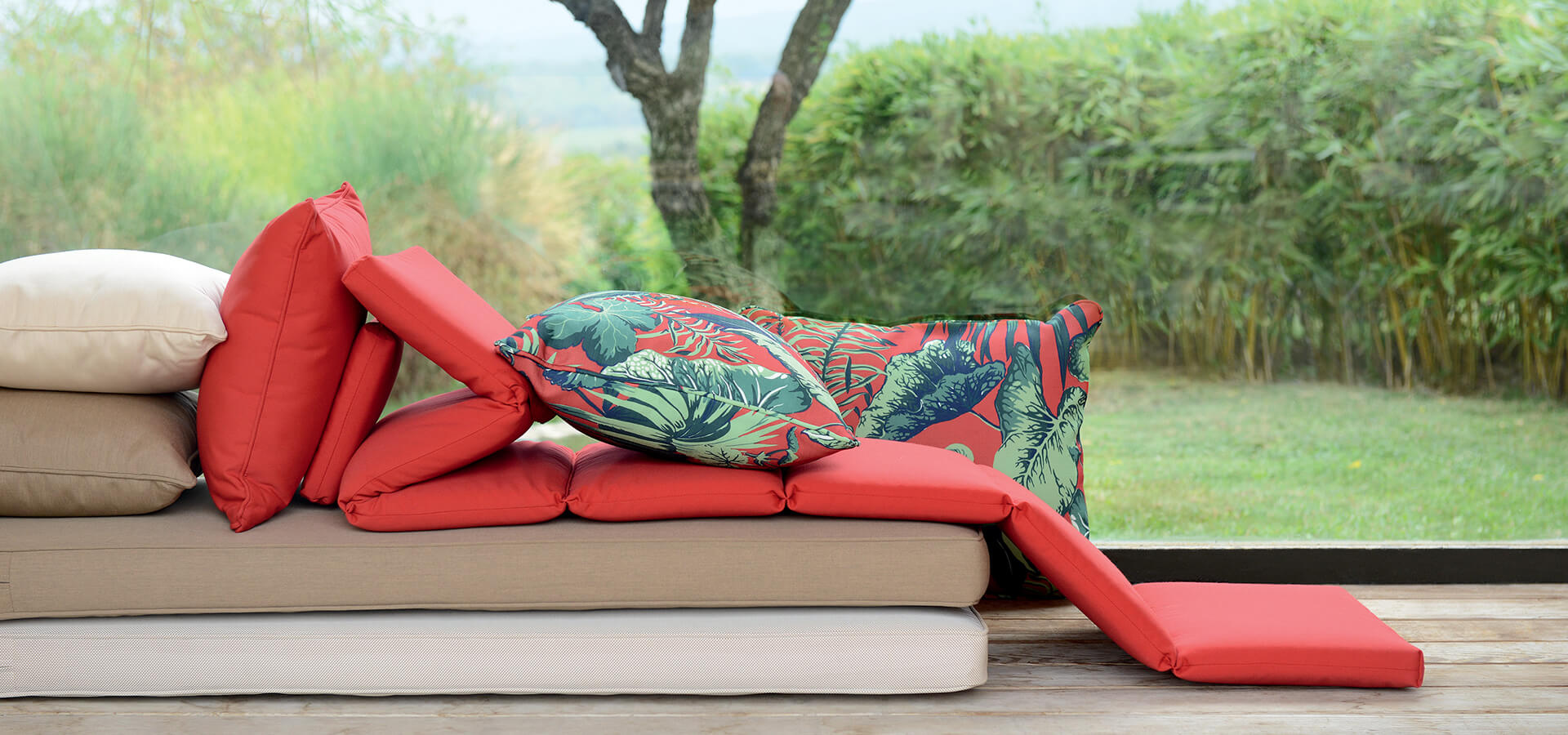 How to maintain your outdoor cushions