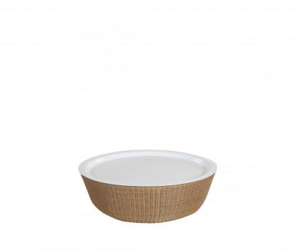 Tavolino con vassoio amovibile in resina intrecciata